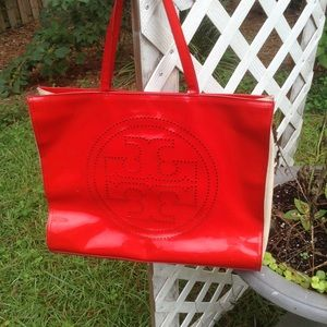 NEW LISTING TORY BURCH large tote